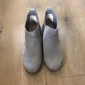 Ugg Water Resistant Boots Size 7.5